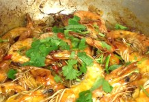 Spicy prawn with chilli and garlic