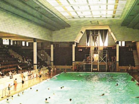 A colour photo of the pool which was a resort landmark