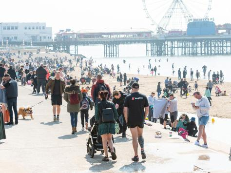 Blackpool looks set to bask in the sun this Spring Bank Holiday weekend.