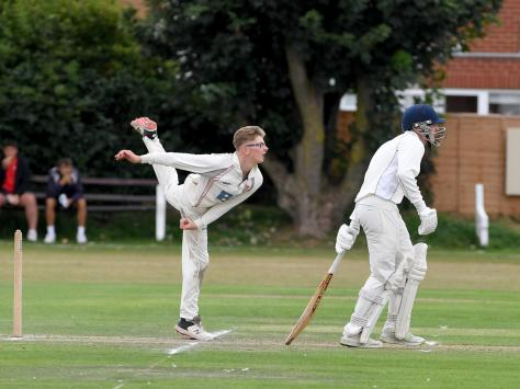 Matt Siddall bowled a season's best 6-26 for Blackpool in their title-clinching victory at St Annes