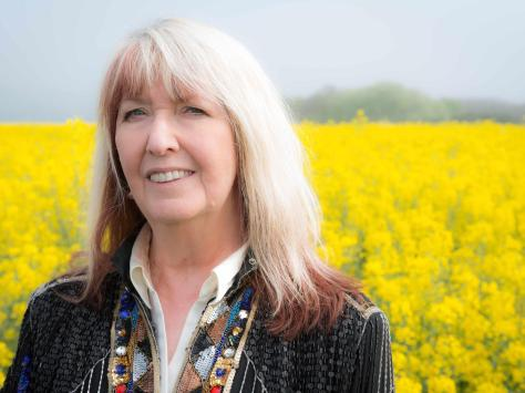Maddy Prior has one of the most distinctive voices in any genre of music.