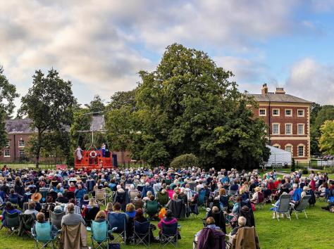 The capacity audience at the performance of HMS Pinafore at the Hall