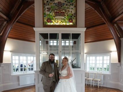 John Beard and Lisa Pendlebury. Photo: Christopher Verity Photography