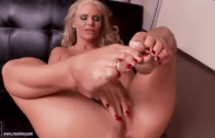 PHOENIX MARIE FOOT FETISH
