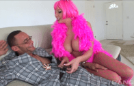 GIANNA MICHAELS TRIES A HUGE COCK