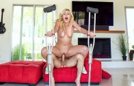 PERVS ON PATROL – SUMMER DAY – TWERKING BLONDE BLOWS INSURANCE GUY