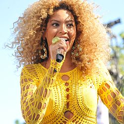 250px-BEYONCE_CONCERT_IN_CENTRAL_PARK_2011_Good_Morning_America's_Summer_Concert_Series_-_Central_Park,_Manhattan_NYC_-_070111_cropped