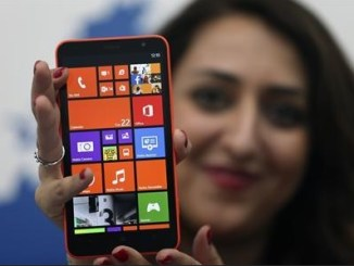Model with Lumia 1320