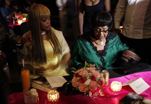 Zoleka Mandela, Winnie Madikizela-Mandela