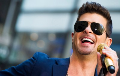 """Robin Thicke performs on NBC's """"Today"""" show on Tuesday, July 30, 2013 in New York. (Photo by Charles Sykes/Invision/AP)"""