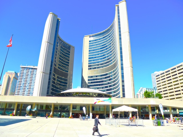 2F-Torontos-CIty-Hall-by-Diwight-Brown-