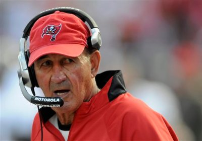 """In this Jan. 6, 2008, file photo, Tampa Bay Buccaneers defensive coordinator Monte Kiffin looks on during an NFL wildcard football playoff game in Tampa, Fla. These days, the """"Tampa 2"""" defense, directed and perfected by Kiffin under Tony Dungy, is to professional football teams what emailing is for people under 30. It's still playable, but missing much of its prior market share and panache. (AP Photo/Steve Nesius, File)"""