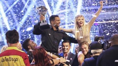"Alfonso Ribeiro and Witney Carson crowned the Season 19 Champions, on the season finale of season 19 of ""Dancing with the Stars,"" Nov. 25, 2014. (ABC Photo)"