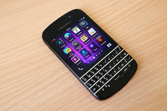 640px-Blackberry_Q10_home_screen
