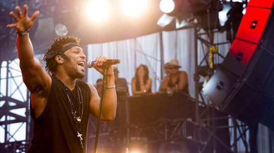 D'Angelo performs at the 2012 Made in American festival in Philadelphia, PA. (Charles Sykes/Invision/AP)