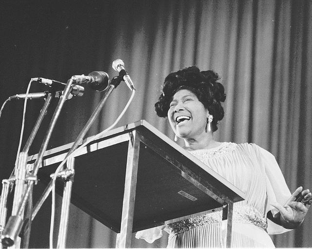 Mahalia Jackson sings in New Delhi, India, May 1971. (U.S. Embassy New Delhi/Flickr/CC BY-ND 2.0)