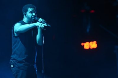 Drake performs at the 2015 Coachella Music and Arts Festival on Sunday, April 12, 2015, in Indio, Calif. (Photo by Scott Roth/Invision/AP)