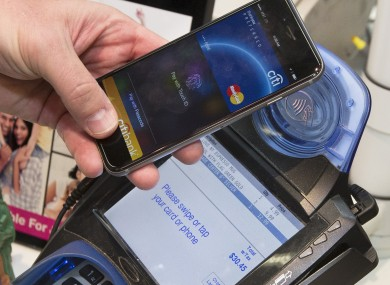 mastercard-apple-pay-times-square-390×285