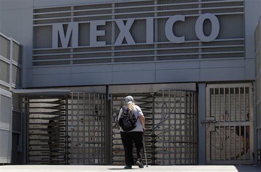 APTOPIX Mexico Checks Foreigners