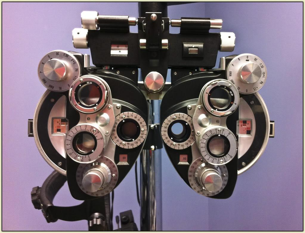 Eye Test Machine (Phoropter)