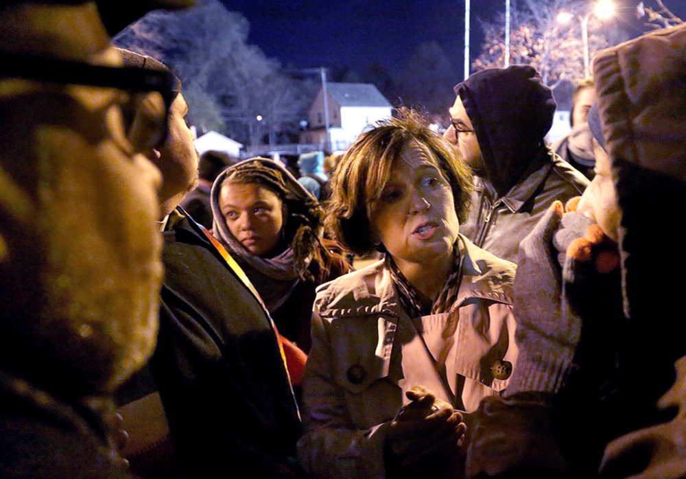 Minneapolis Mayor Betsy Hodges got peppered with questions from protestors about police violence. (Kyndell Harkness/Star Tribune)