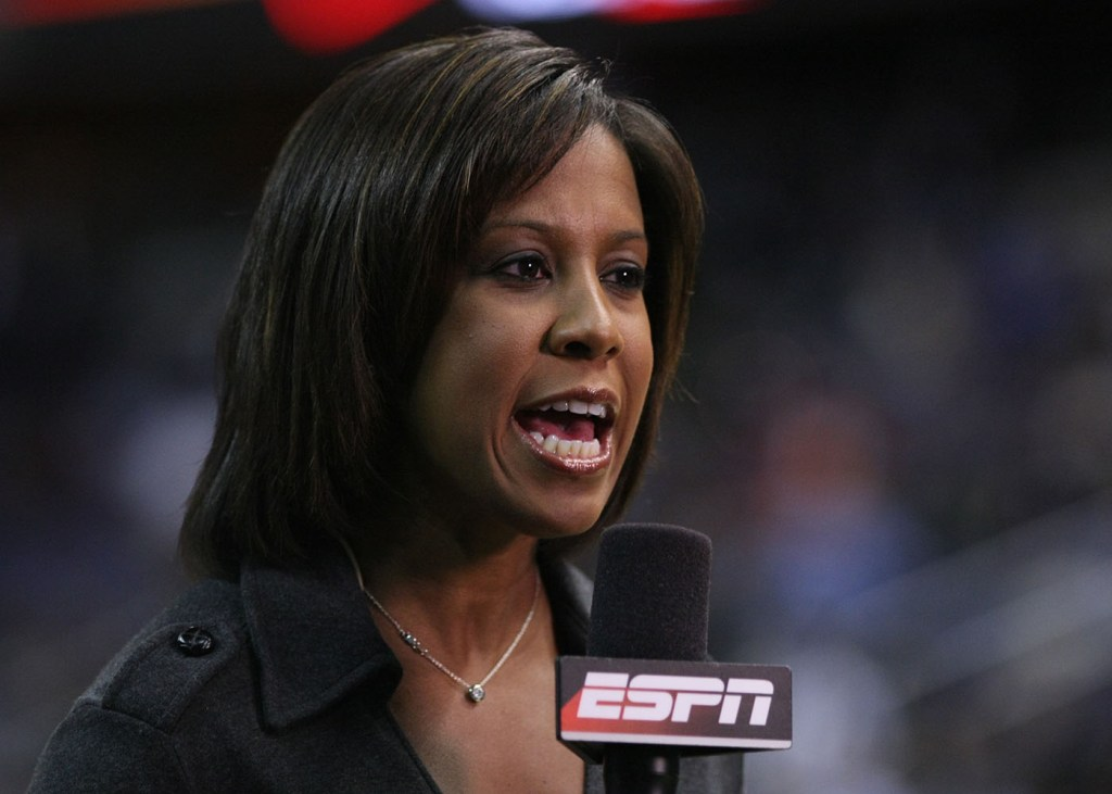 ESPN analyst Lisa Salters comments on the Washington Wizards vs. Cleveland Cavaliers game at the Verizon Center in Washington, D.C. (Keith Allison/CC)