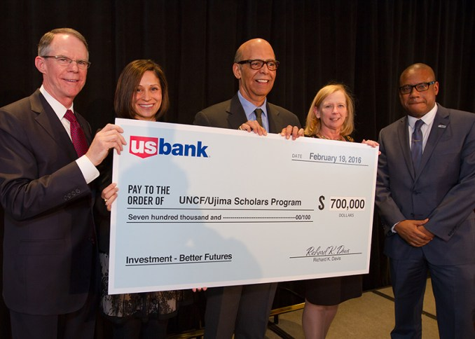 From left to right: U.S. Bank Chairman and CEO Richard Davis, U.S. Bank Foundation President Reba Dominski, Dr. Michael Lomax (UNCF), U.S. Bank Executive Vice President of Human Resources Jennie Carlson and U.S. Bank Vice President of Customer Experience Greg Cunningham. UNCF Ujima Scholars Program will create pipeline of African American students to fill corporate jobs. (Karl Demer/ Atomic K Studios)