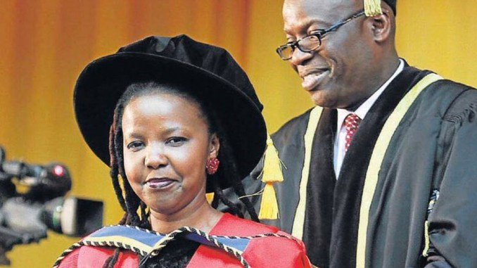Photo: Nompumelelo Kapa receives doctorate after writing thesis in mother tongue/photo via Twitter