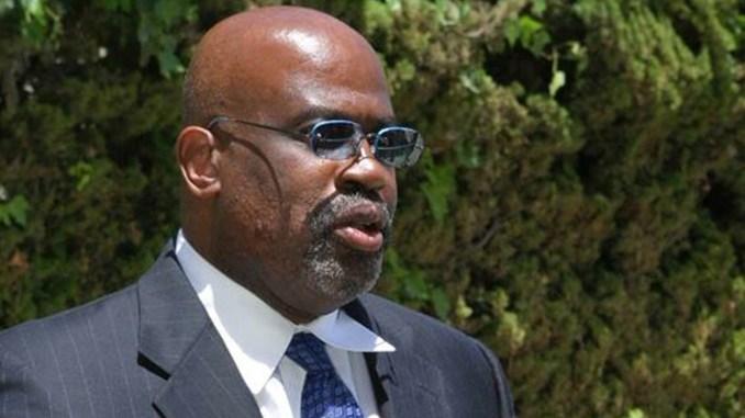 Attorney Chris Darden (Photo by: wavenewspapers.com)