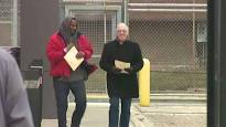 Video Extra #3 >>> R. Kelly released from Chicago jail