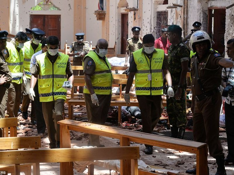 290 People Killed and 450 Injured in Bombing on Hotels and Churches in Sri Lanka