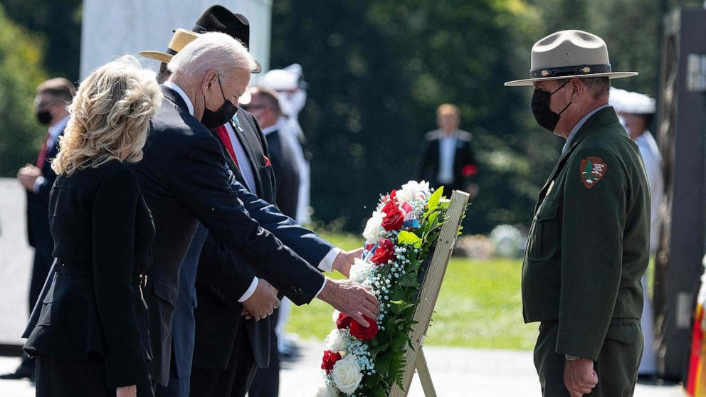 Video Extra #4 >>> Biden joined by Obama to observe 9/11 moment of silence