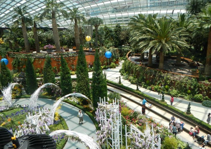 flower dome, gardens by the bay, singapura
