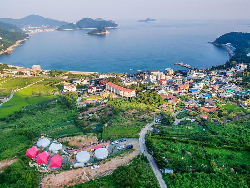 panorama kota tepi laut geoje, korea selatan