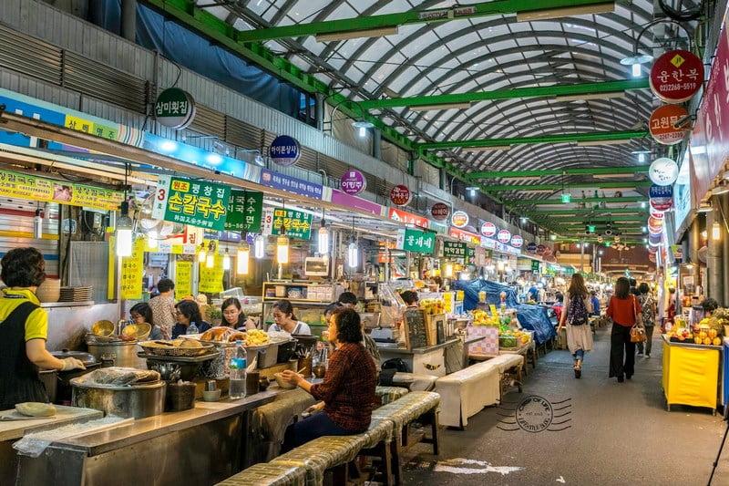 Suasana Gwangjang Market, Korea Selatan