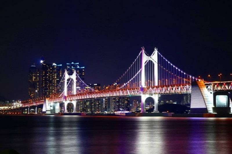 jembatan gwangandaegyo di malam hari, busan, korea selatan