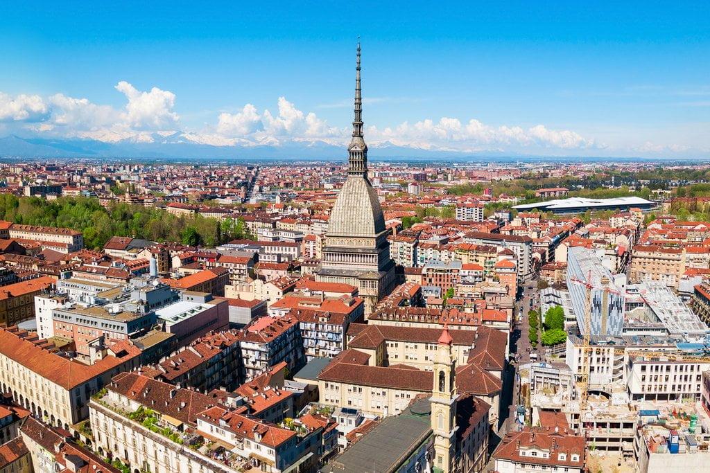 menara dan suasana kota turin, italia, dari ketinggian