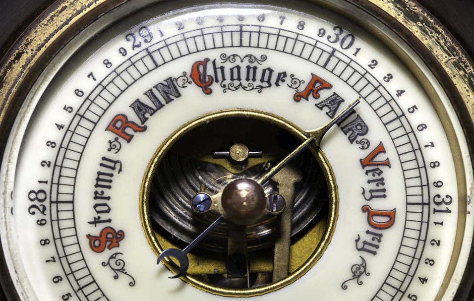 barometer aneroid antik