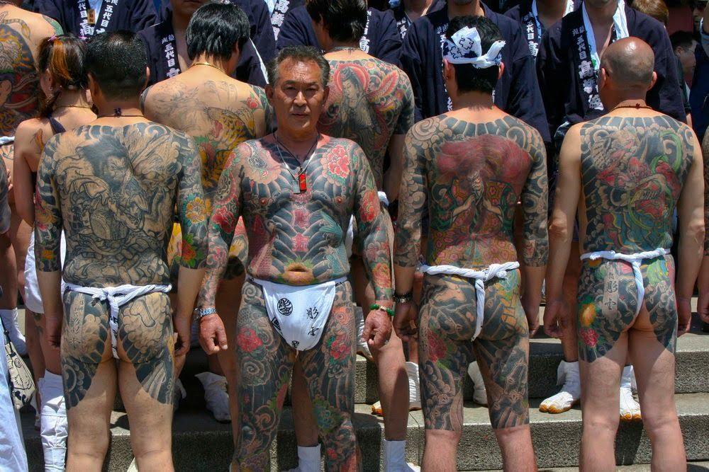 tubuh penuh tato anggota yakuza