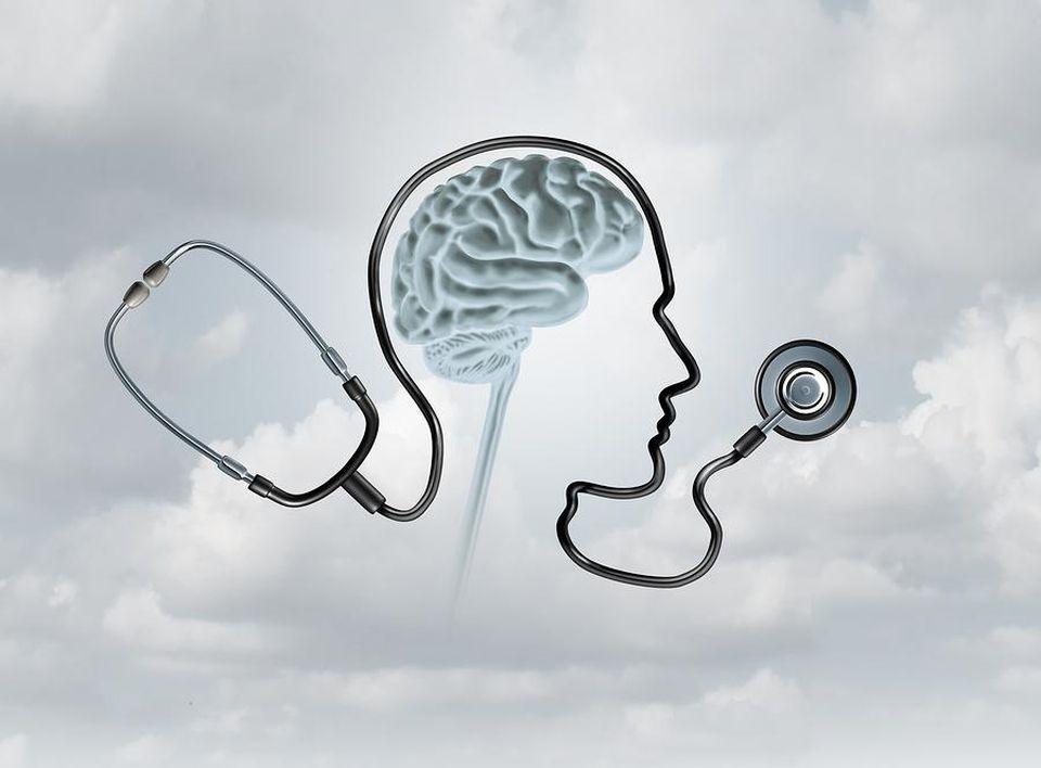 stetoskop dengan otak manusia