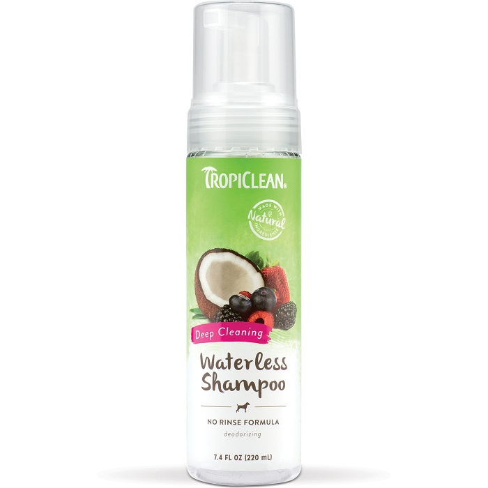 Tropiclean Berry Coconut Waterless Shampoo 220ml Blakes Pet Foods Supplies