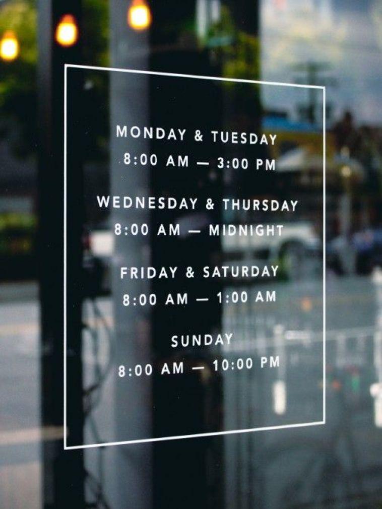 decorar con vinilos un negocio horario