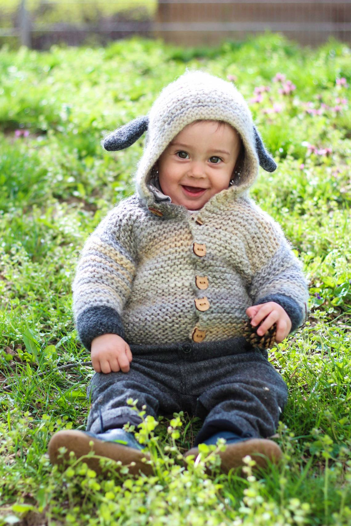 Baby Cardigan selbstgestrickt