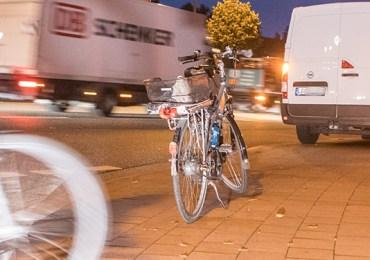 Fahrradfahrer von Kleintransporter erfasst und verletzt!