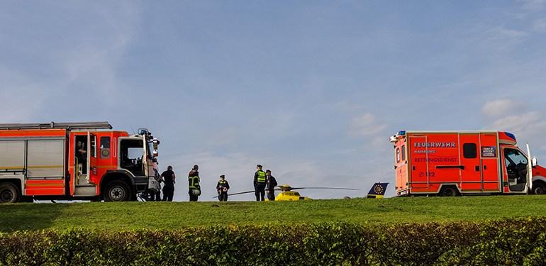Passanten finden Leichnam im Stadtparksee! - Feuerwehr und Polizei im Einsatz