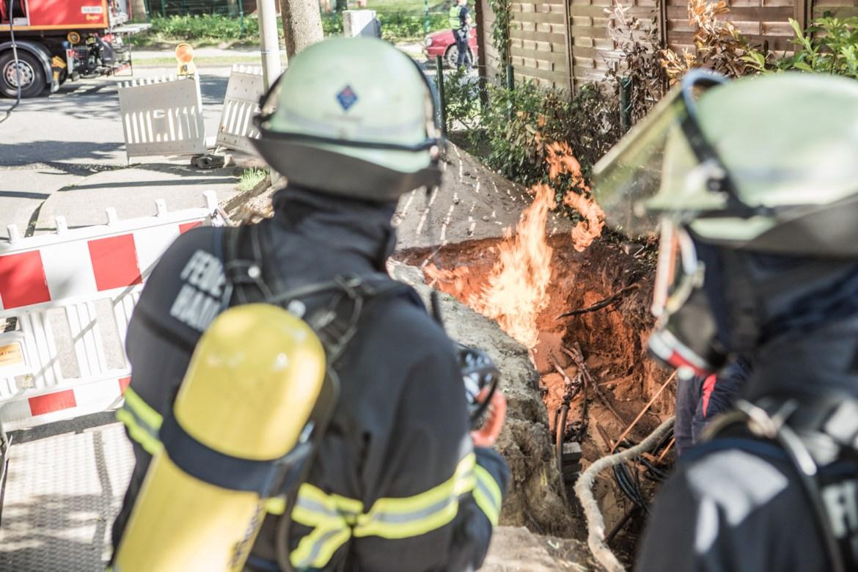 Feuerwehr Hamburg lässt Feuer brennen – aus gutem Grund