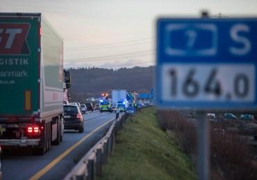 15 Kilometer STAU! - Verkehrsunfall mit 4 LKW legt Berufsverkehr auf der A7 lahm