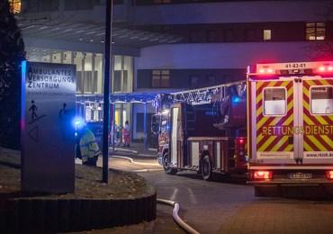Nächtlicher Großeinsatz: Feuer in Segeberger Krankenhaus-mehr als 100 Retter im Einsatz!