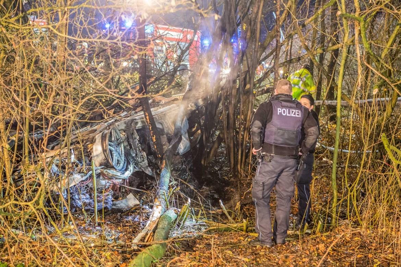 Fahrer verbrennt im Fahrzeug – Schwerer Unfall auf der A1 bei Bargteheide