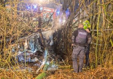 Fahrer verbrennt im Fahrzeug - Schwerer Unfall auf der A1 bei Bargteheide